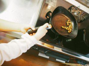 フライパンで炒る